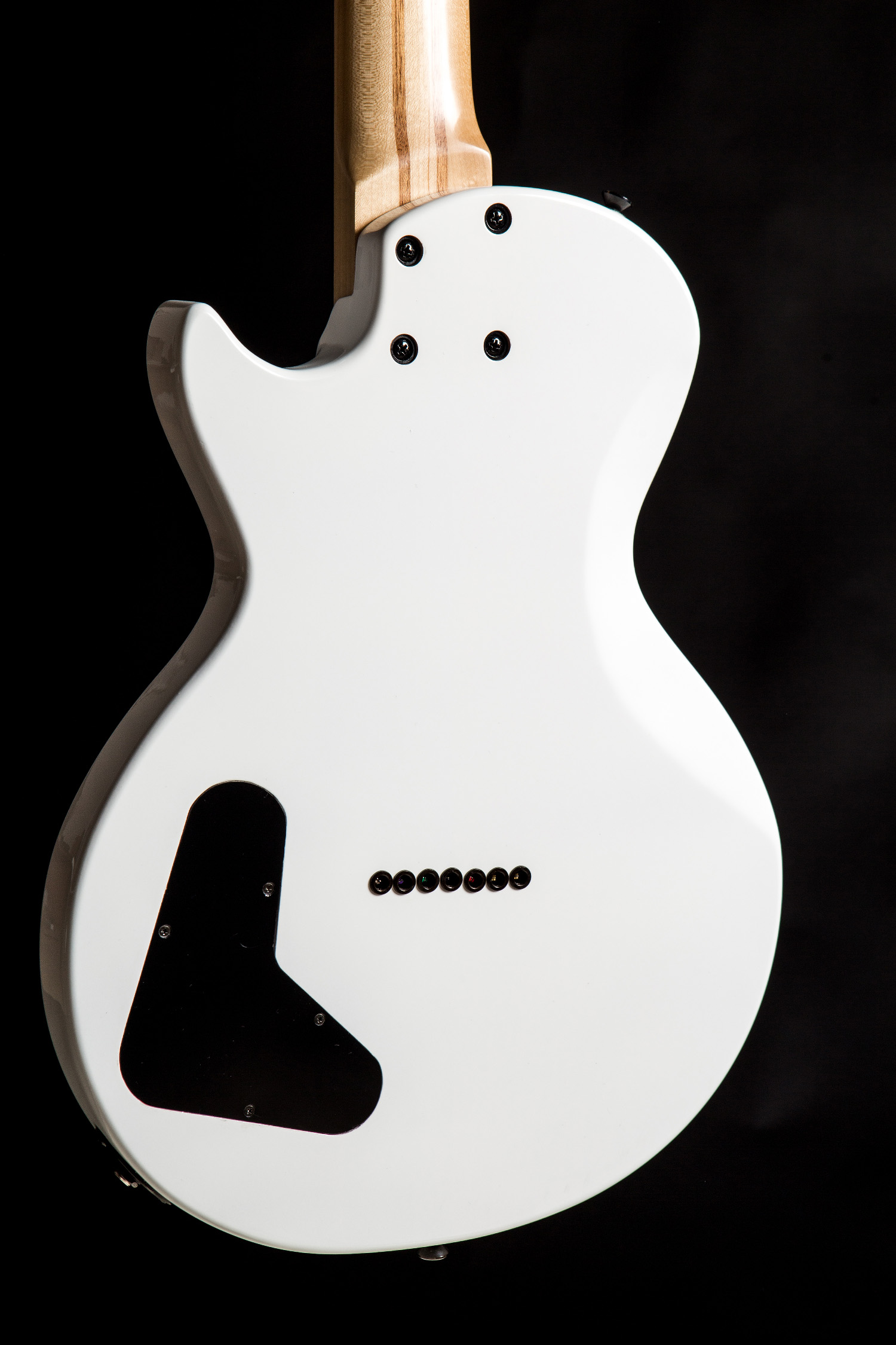 Chitarra WhiteCapurso Guitars foto credits © Giuseppe Di Viesto